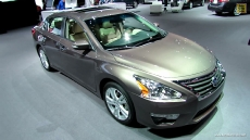 2013 Nissan Altima 3.5SL at 2012 Los Angeles Auto Show