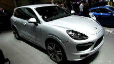 2013 Porsche Cayenne GTS at 2012 Paris Auto Show