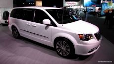 2013 Chrysler Town & Country S at 2013 Detroit Auto Show