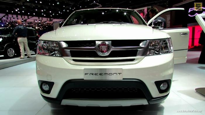 2013 Fiat Freemont Diesel At 2012 Paris Auto Show