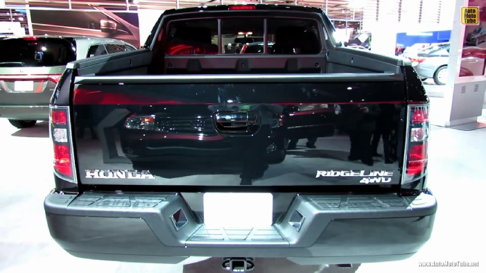 2013 honda ridgeline sport 4wd at 2013 detroit auto show. Black Bedroom Furniture Sets. Home Design Ideas