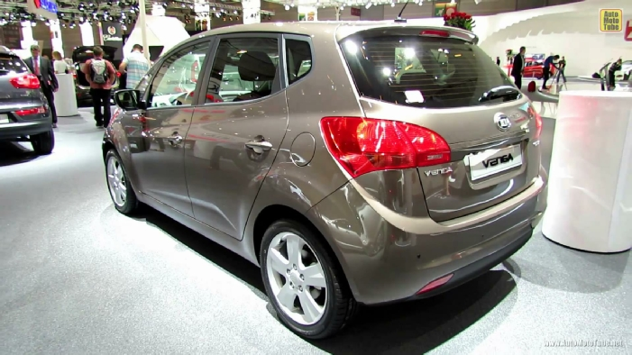 2013 kia venga diesel at 2012 paris auto show. Black Bedroom Furniture Sets. Home Design Ideas