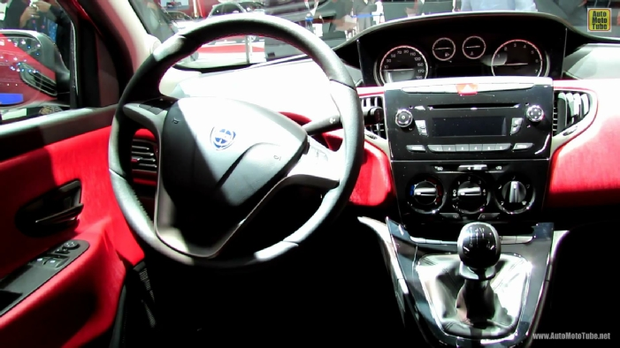 http://www.automototube.net/2013-lancia-ypsilon-interior-view.jpg
