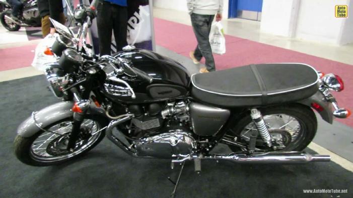 2013 Triumph Bonneville T100 at 2013 Montreal Motorcycle Show