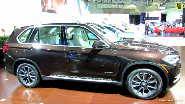 BMW X XDrive I At Los Angeles Auto Show - 2013 bmw x5 50i