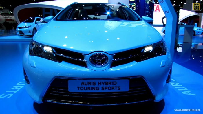 2014 toyota auris hybrid touring sports at 2013 frankfurt motor show. Black Bedroom Furniture Sets. Home Design Ideas
