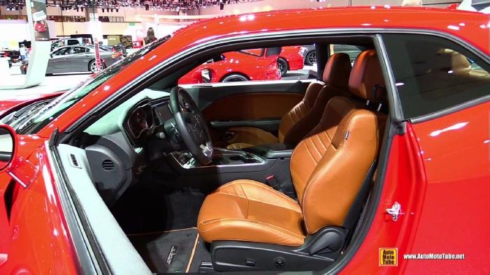 2015 dodge challenger srt hellcat at 2014 los angeles auto show. Black Bedroom Furniture Sets. Home Design Ideas