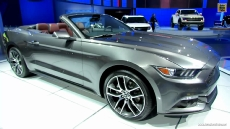 2015 Ford Mustang Convertible at 2014 Detroit Auto Show