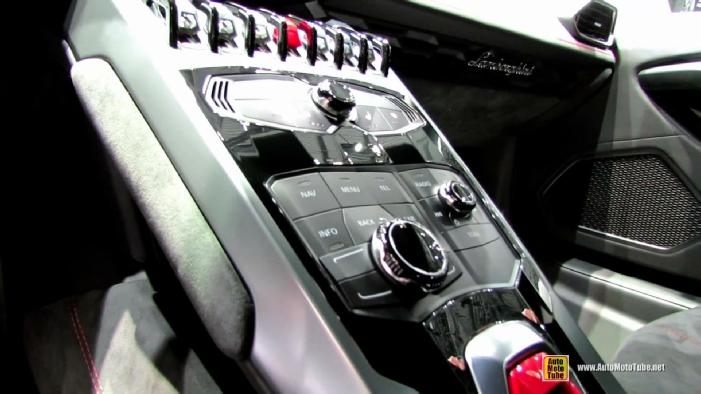 2015 Lamborghini Huracan LP610-4 at 2014 Geneva Motor Show