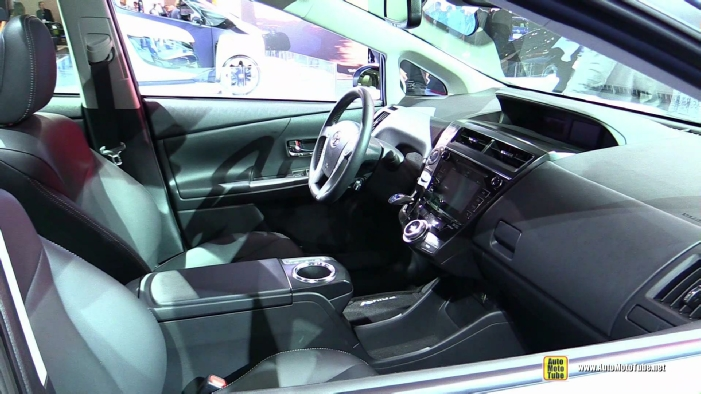 2015 toyota prius v five at 2014 los angeles auto show. Black Bedroom Furniture Sets. Home Design Ideas