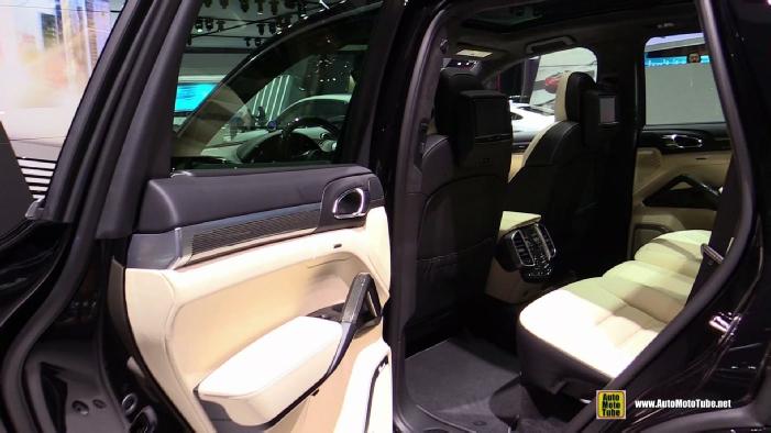 2016 porsche cayenne turbo s at 2015 detroit auto show wallpapers